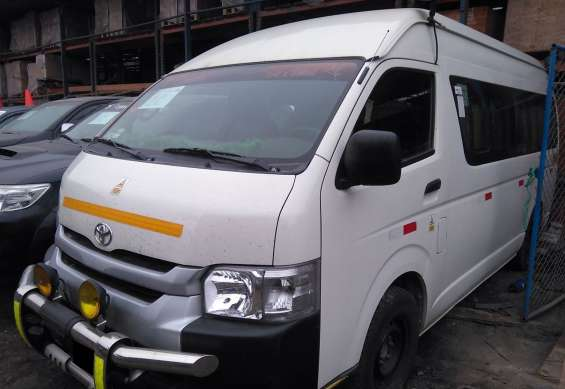 Toyota hiace 2015 pasajeros