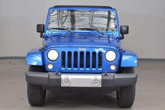 Jeep wrangler sahara año 2014 color azul