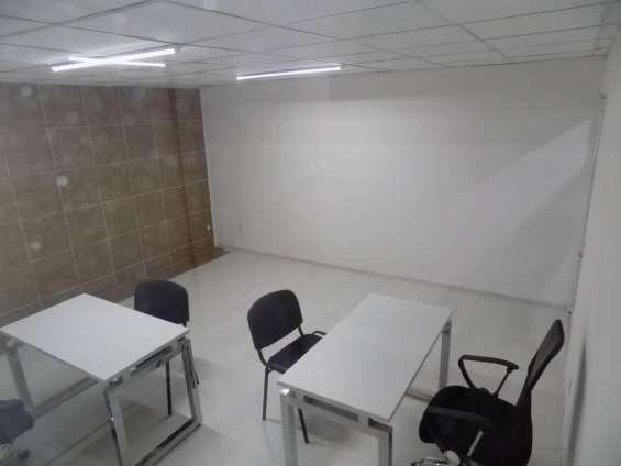 Fotos de Excelentes oficinas en la estancia 2 9