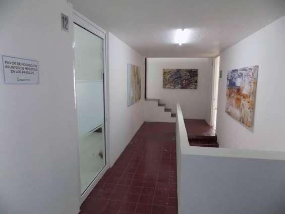 Fotos de Excelentes oficinas en la estancia 2 8